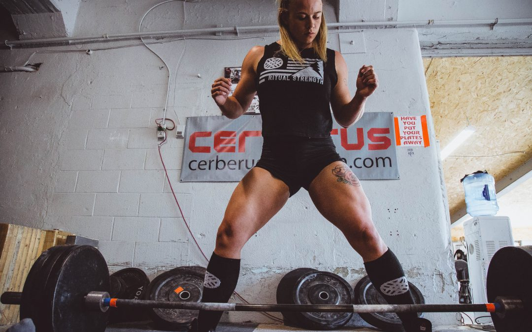 Powerlifting vs Bodybuilding: What's the Difference?